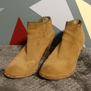 Steve Madden Tan Suede Tinker Ankle Booties